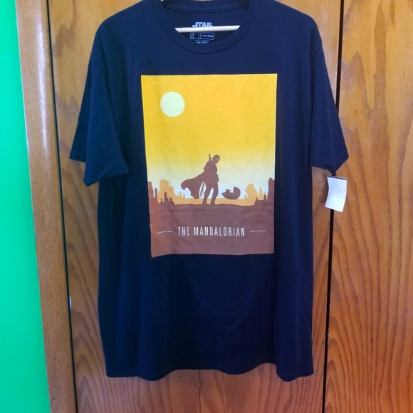 NWT Star Wars The Mandalorian with The Child Mens T-shirt